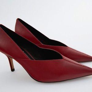 👠Zara sleek red pointed heel👠